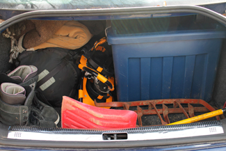 Putting Together your Winter Emergency Car Kit